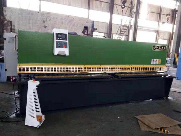 QC12Y/K数控液压摆式剪板机