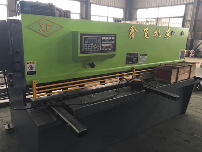 QC12Y-6X2500普通液压摆式剪板机